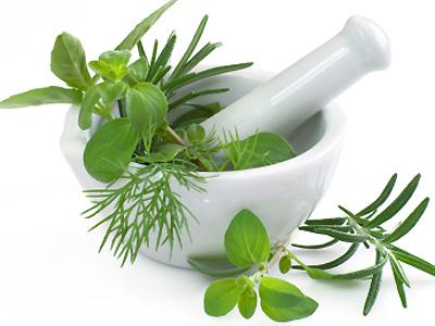 Herbalism-verus-aromatherapy